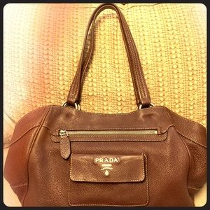 PRADA PURSE, comes with The authenticity card